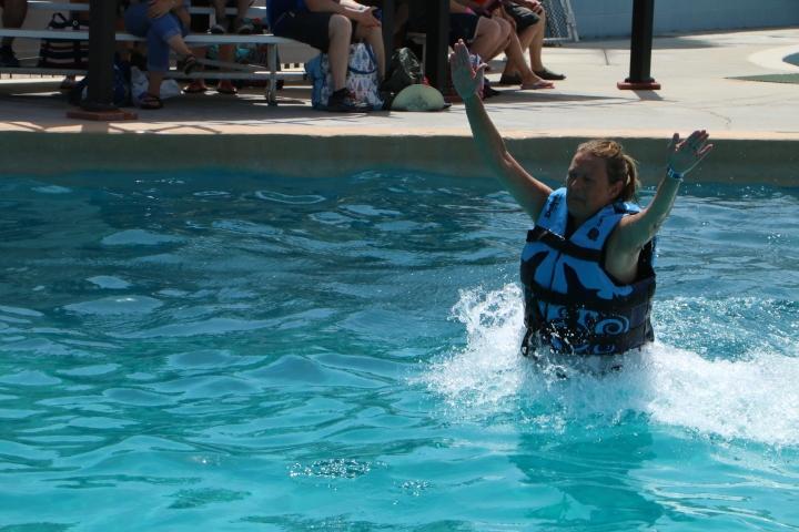 gulf-world-dolphinswim-me-stand-4