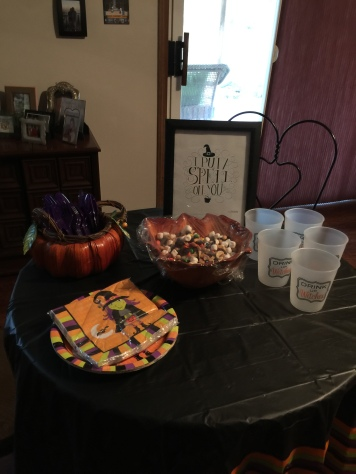 Hocus Pocus Party-DYI 'I Put a Spell On You' Framed and Snack Table
