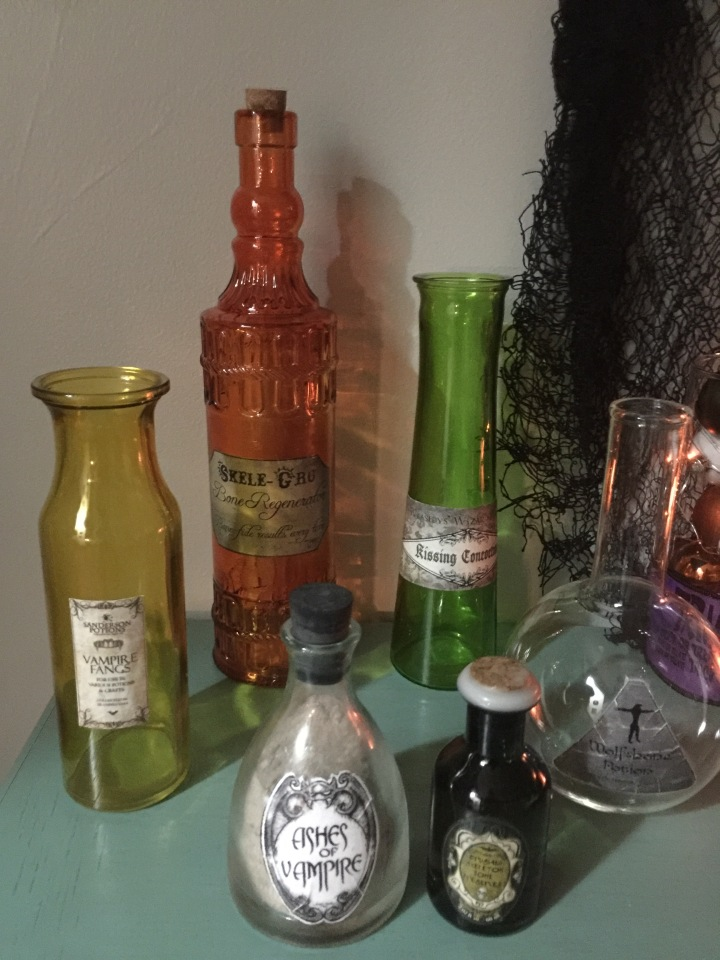 Hocus Pocus Party-DYI Witches Potion Jars